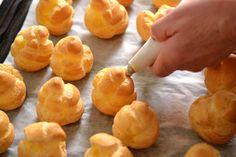 Dívány - Offline - Így készül a profiterol Churros, Pineapple, Meals, Fruit, Cooking, Recipes, Pastries, Food, Cakes