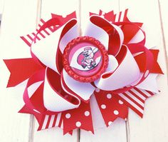 Check out this item in my Etsy shop https://www.etsy.com/listing/277854210/cincinnati-reds-bottlecap-hairbow