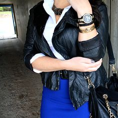 Black, royal blue, and gold. Love the colour combo.