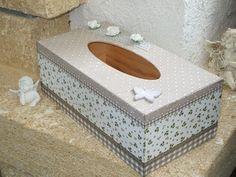boite à mouchoirs style shabby couleur taupe : Boîtes, coffrets par les-creations-de-cathy