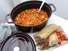 Ein leckeres Rezept von Ernährungswissenschaftlerin Dr. Alexa Iwan für einen vegetarischen Gemüse-Schmortopf mit roten Linsen. Inkl. Nährwertangaben.