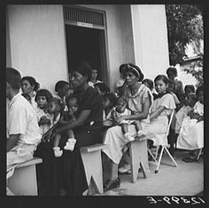 Title: Children's day at a P.R.R.A. (Puerto Rico Resettlement Administration) health center. San Juan, Puerto Rico Creator(s): Rosskam, Edwin, 1903-, photographer Date Created/Published: 1938 Jan.
