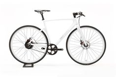 Vanhawks Valour. A sleek carbon fibre bicycle with built-in GPS and blindspot detection. $1400