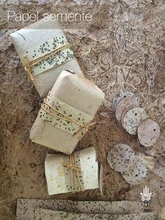 Sabonetes vegetais e isentos de petroquímica embalados com papel semente.