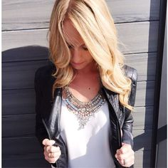 Currently obsessing over this gorgeous 'Arielle' statement necklace from @mirinacollections  Use my discount code 'cait20' for 20% off!  www.mirinacollections.com  #blogger #fashionblogger #bloggerstyle #caitlincarol #MirinaGirls #MirinaCollections