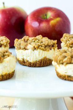 Mini Apple Crisp Cheesecakes | These bite-sized desserts would make a fabulous dessert appetizer for your next fall party!