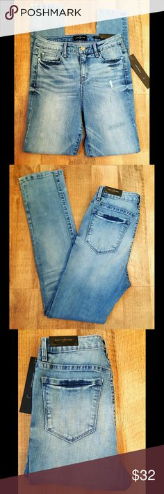 High Waist Jeans Skinny Robert Rodriguez Denim NWT NEW WITH TAGS  High Waist Jeans Skinny Robert Rodriguez Mi Cielo Style with light destruction  Color =Eos   Premium Stretch Denim Fabric and construction  Size 28 Robert Rodriguez Jeans Skinny