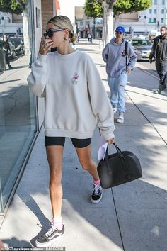 Justin Bieber takes Hailey out for a Valentine's Day spa date Love is in the air: The pop star was spotted out with Hailey, heading to a… … Justin Bieber, Hayley Bieber, Short Outfits, Casual Outfits, Summer Outfits, Cute Outfits, Fashion Outfits, Fall Outfits, Sport Style