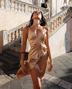 7 Tips on How to Pull off Doll Lashes Perfectly Backless Maxi Dresses, Bodycon Dress, Silk Dress, Wrap Dress, Party Dresses For Women, Elegant, Lady, Style, Lashes