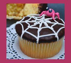 Dolce di Halloween: cupcakes alla crema di zucca speziataDolce di Halloween: cupcakes alla crema di zucca speziata http://tormenti.altervista.org/dolce-di-halloween-cupcakes-zucca/