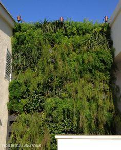 Jardins Verticais. Veja mais: http://www.casadevalentina.com.br/blog/
