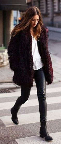 Fn / faux fur + leather. Winter street style outfit. To copy.