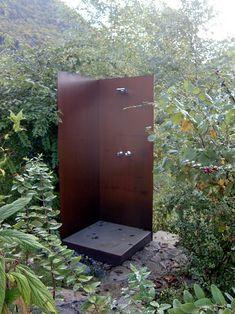 Sichtschutz rostig, Garteneinfassung, Brunnen aus Stahl - Gartendesign Vorarlberg