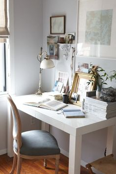 That Inspirational Girl – White Desk Lamps – Ideas of White Desk Lamps – Home Office Design Vintage Home Office Space, Office Workspace, Home Office Design, Home Office Decor, House Design, Home Decor, Desk Space, Office Chic, Design Room