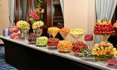 Brunch Buffet and Food Inspiration Here's a post about the only meal where dessert during the day is acceptable. Fruit Tables, Fruit Buffet, Food Buffet, Dessert Tables, Fruit Trays, Dessert Buffet, Salad Buffet, Buffet Tables, Dessert Pizza