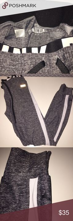 VS PINK ultimate leggings Grey, never worn, great condition, XS PINK Victoria's Secret Pants Leggings