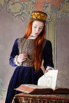 Polish renaissance dress.