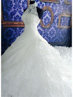 HIGH NECK HALTERED SLEEVELESS LONG TRAIN LACE WEDDING DRESS