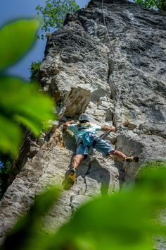 What the crack is that? 😛 Slovenia is not well known by cracks, but you will find it only 5 min away from @bledslovenia . Strong German climbing in 6a grade, with the easy-peasy style😎 What Activities, Adventure Activities, Climbing Wall, Ice Climbing, Abseiling, Julian Alps, Lake Bled, Extreme Sports