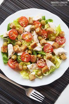 Napisałabym, że to propozycja na lekki letni obiad, ale przecież taki talerz można sobie zaserwować równie dobrze na śniadanie. Kolorystyczny miks składników karmi oczy, a na podniebienie czeka kombin Pasta Salad, Cobb Salad, Kung Pao Chicken, Salads, Food Porn, Food And Drink, Appetizers, Lunch, Eat