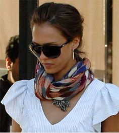 very cool scarf.  love the shades, too