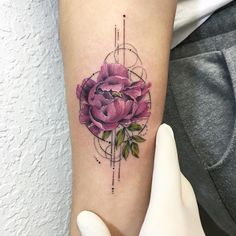 Tattoo Artist Eva Krbdk