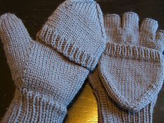 Urban Necessity Gloves by Colleen Michele Meagher Free Convertible Mittens pattern at RAVELRY