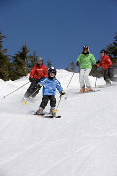 Perfect ski resort for the kids! Winter Songs, Winter Fun, Winter Travel, Dream Vacations, Vacation Spots, Vermont Skiing, Small Planet, Big Mountain, Best Location