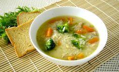 Canja o sopa de gallina con arróz brasileño, es una de las tantas y deliciosas comidas Brasileñas.