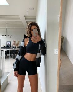 shorts outfits summer Negin Mirsalehi Black Skinny Bicycle Shorts Autumn Winter 2020 on SASSY DAILY Casual Fashion Trends, 2020 Fashion Trends, Spring Fashion Trends, Body Inspiration, Fitness Inspiration, Workout Inspiration, Sporty Outfits, Cute Outfits, Skinny