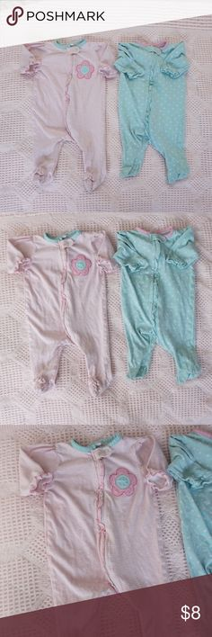 Gerber pjs bundle Thin material. Good condition. Newborn. Zip up for easy middle of the night changing. Bundle and save! Gerber Pajamas Nightgowns