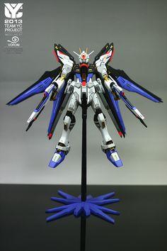 Strike Freedom Gundam: Modeled by Vorom [Team YC Project 2013]