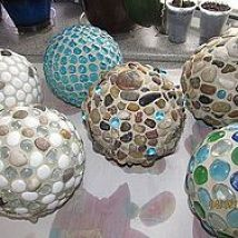 After seeing so many posts on diy garden globes, I just had to try it.… :: Hometalk