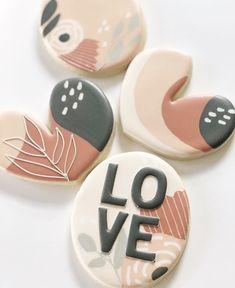 Fall Cookies, Valentine Cookies, Iced Cookies, Cute Cookies, Cookies Et Biscuits, Sugar Cookies, Cookie Icing, Royal Icing Cookies, Bonbon