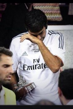Raúl emotional just before the match Real Madrid, Ford Mustang Wallpaper, The Golden Boy, Isco, Gareth Bale, Club, Cristiano Ronaldo, The Man, My Idol