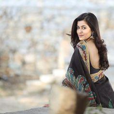Most Beautiful Bollywood Actress, Beautiful Indian Actress, Beautiful Actresses, Female Crossfit Athletes, Cute Girl Image, Actress Priyanka, Pakistani Actress, Half Saree Designs, Saree Photoshoot