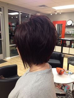 I'm feeling brave - Layered bob (Hair by René Dees @ Studio A) Short Hair Back, Short Hair Cuts, Short Hair Styles, Haircut And Color, Hair Color And Cut, Pretty Hairstyles, Bob Hairstyles, Hair Affair, Great Hair