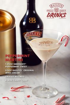 Holiday entertaining doesn't have to be a heavy lift. Add Baileys Peppermint M. Holiday entertaining doesn't have to be a heavy lift. Add Baileys Peppermint Martini to the list Vodka Drinks, Easy Cocktails, Cocktail Drinks, Fun Drinks, Yummy Drinks, Cocktail Recipes, Alcoholic Drinks, Beverages, Martinis