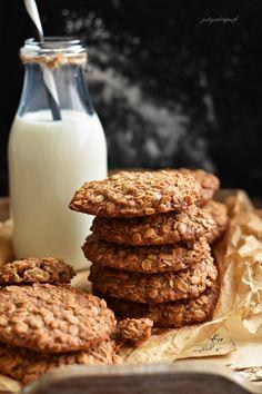 Ciastka owsiano-karmelowe - Justyna Dragan Tiramisu, Cookies, Chocolate, Blog, Crack Crackers, Biscuits, Chocolates, Blogging, Cookie Recipes