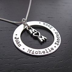 Brisa mother necklace with mom love charm