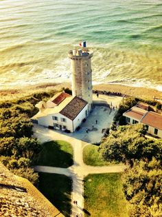 Lighthouse on Ile De Re, La Rochelle The Places Youll Go, Great Places, Places To See, Beautiful World, Beautiful Places, Ville France, Local Attractions, Ansel Adams, Future Travel