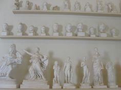 #magiaswiat #epidauros #podróż #zwiedzanie #grecja #blog #europa  #obrazy #figury #twierdza #kosciol #morze #miasto #zabytki #muzeum #teatr Bathroom Hooks, Floating Shelves, Blog, Home Decor, Europe, Decoration Home, Room Decor, Wall Mounted Shelves, Blogging
