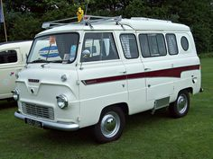 Straight To You is your trusted source for caravan, motorhome accessories & car accessories. Vintage Rv, Vintage Vans, Vintage Trailers, Classic Campers, Classic Trucks, Ford Lincoln Mercury, Camper Caravan, Camper Van, Camping Accessories