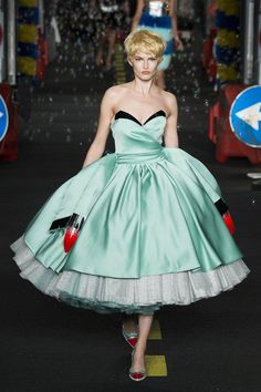 Ditch the from-the-box car costume and fashion a '50s-style frock like those Jeremy Scott sent out at Moschino