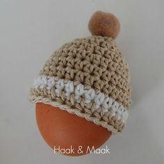 Haak by Daphne: Eiermuts Crochet Egg Cozy, Easter Crochet, Crochet Home, Knit Crochet, Easter Specials, Snowman Hat, Textiles, Crochet Accessories, Beautiful Crochet