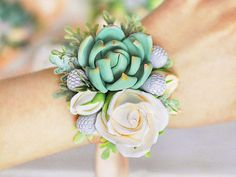 Succulent Corsage Wedding Corsage wrist by FlowersKartasheva Prom Flowers, Bridal Flowers, Bridesmaid Accessories, Bridal Accessories, Corsage Wedding, Wedding Bouquets, Corsage Formal, Clay Flowers, Silk Flowers
