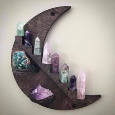 How to Design an In-Home Meditation Room Crystals And Gemstones, Stones And Crystals, Crystals For Home, Healing Stones, Crystal Healing, Deco Zen, Crystal Shelves, Crystal Decor, Crystal Bedroom Decor