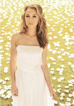 https://flic.kr/p/C3tup3 | Trouwjurken | Trouwjurken vintage, Moderne Trouwjurken, Korte trouwjurken, Avondjurken, Wedding Dress, Wedding Dresses | www.popo-shoes.nl