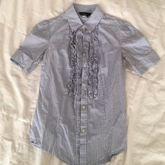 button down ruffled shirt size XS button down ruffled shirt size XS !! Tops Button Down Shirts