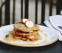 Naples breakfast spots to try on vacation! Naples, FL, has dozens of restaurants for breakfast, but we narrowed it down to eight. Check them out! #Naples #itripvacations